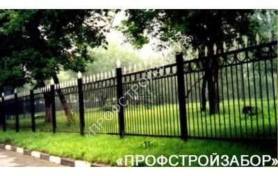 Кованый забор для парковой зоны